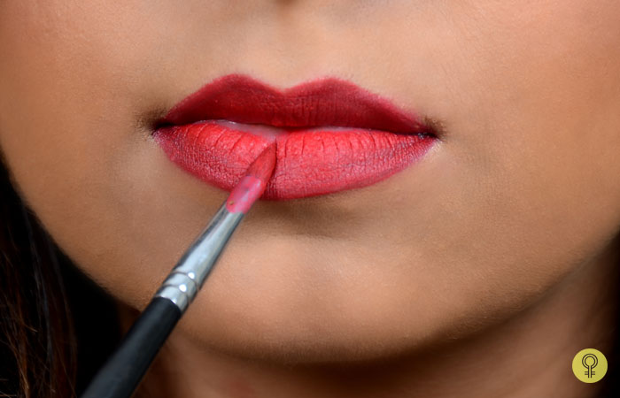 How To Apply Lip Gloss Perfectly - Step 5: Apply Lipstick