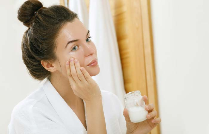 10. Vitamin E Oil And Coconut Oil For Itchy Skin