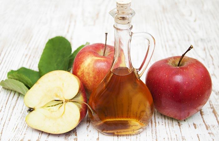 4.-Apple-Cider-Vinegar-And-Honey-For-Acne