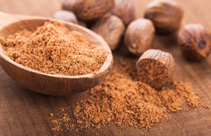 8.-Nutmeg-And-Honey-For-Acne-Scars