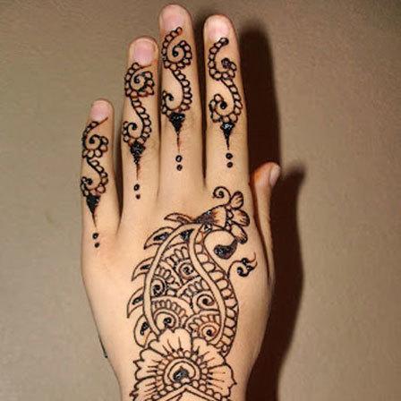 beautiful designs of mehndi