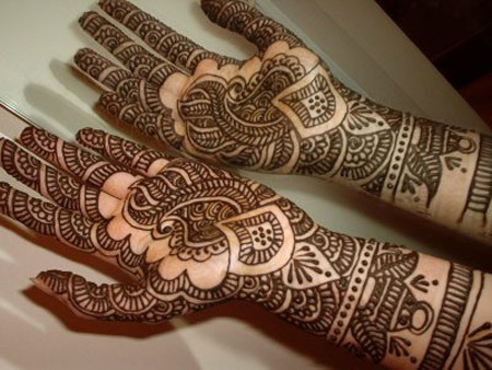 beautiful Arabic style mehndi