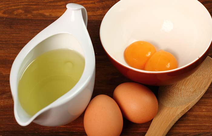 18.-Egg-Yolk,-Olive-Oil-And-Vitamin-E-Mask
