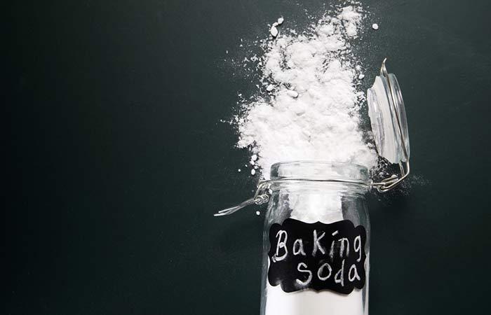 2. Baking Soda For Instant Fairness