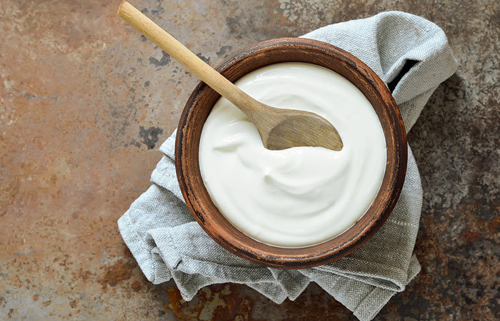 3.-Coconut-Milk-And-Yogurt-For-Hair-Growth