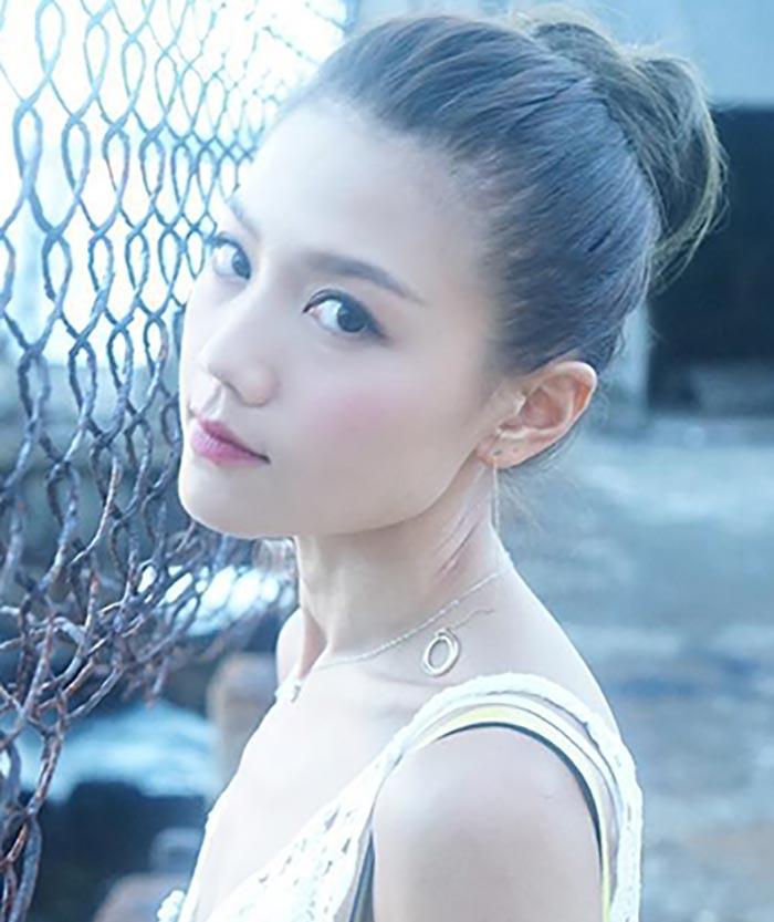 Chrissie Chau - Beautiful Chinese Women No. 23