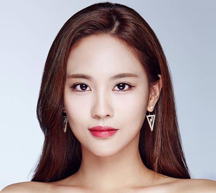 Wang Fei Fei - Beautiful Chinese Women No. 5