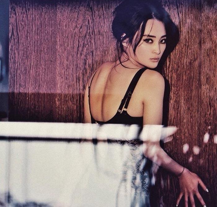 Jiang Qinqin - Beautiful Chinese Women No. 8