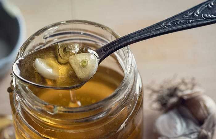 Garlic-And-Honey-For-Hair-Growth