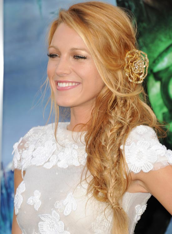 Gorgeous-Side-Fishtail-Braid-with-Side-Sweep