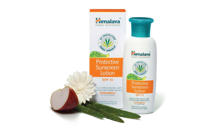 Best Sunscreens For Dry Skin - 5. Himalaya Herbals Protective Sunscreen Lotion