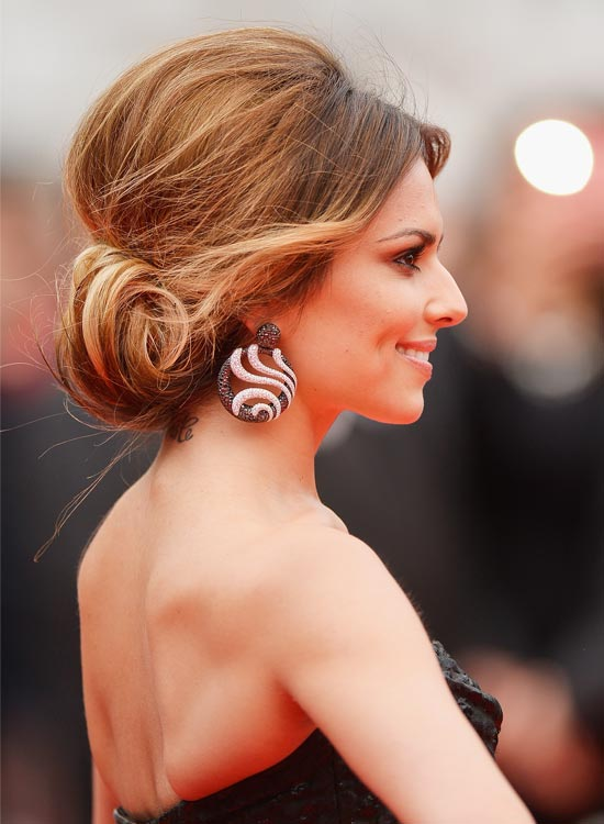 Rolled-Up-and-Tucked-In-Bun-with-Puffy-Crown
