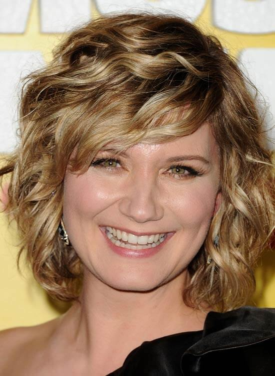 Face-Framing-Curly-Bob-with-Textured-Wavy-Side-Sweep