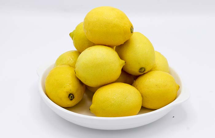 2. Lemon And Honey For Glowing Skin