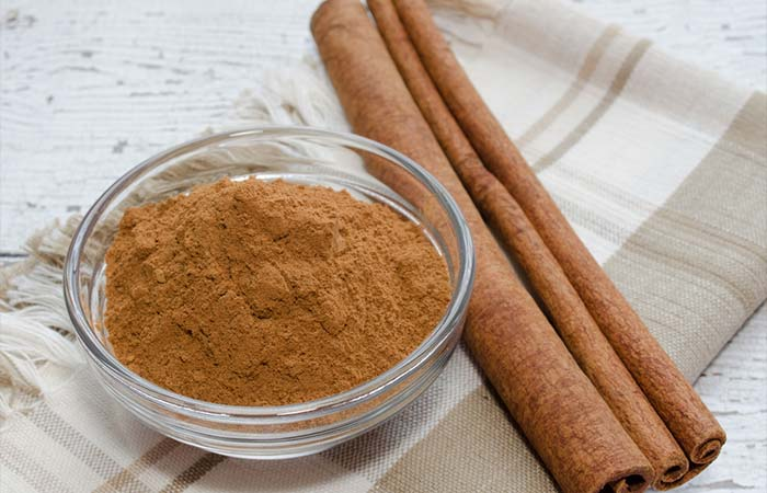 8. Cinnamon And Honey For Glowing Skin