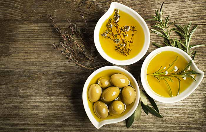 Home Remedies For Dry Eyes - Olive Oil