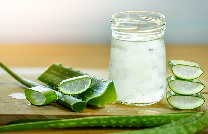 Home Remedies For Dry Eyes - Aloe Vera