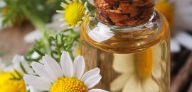 1153_15 Amazing Benefits Of Chamomile Oil For Skin, Health And Hair_iStock-507268013