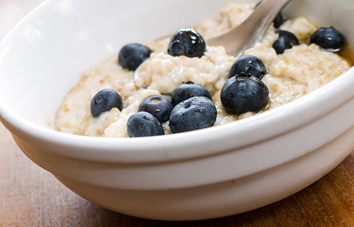 10 yummy breakfast recipes to try out for weight gain healthy breakfast for weight gain oatmeal peanut porridge pinit forumfinder Images
