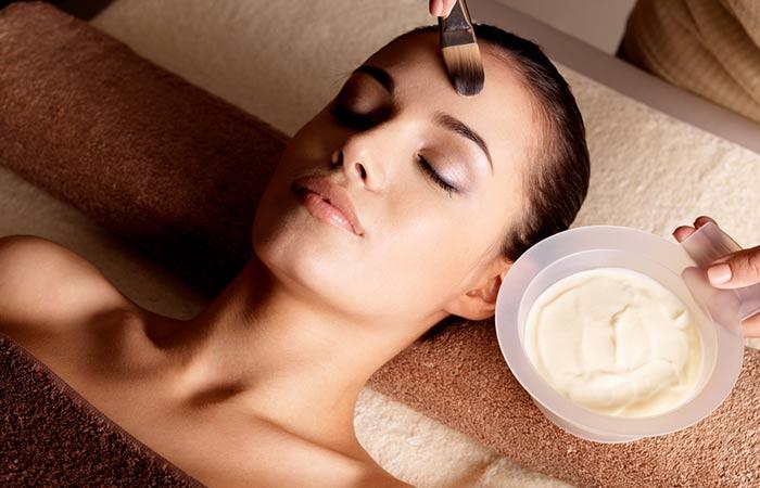 6. Facials Help Detoxify The Skin