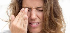 Scratched Cornea Symptoms, Causes, Treatment, And Tips