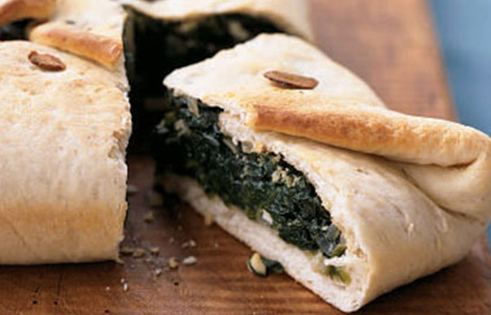 Low Calorie Lunch - Spinach-Feta Calzone Casserole