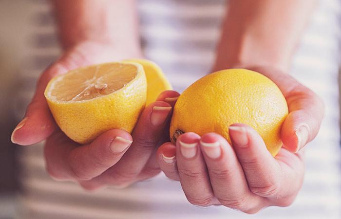 2. Lemon Juice And Baking Soda For Acne