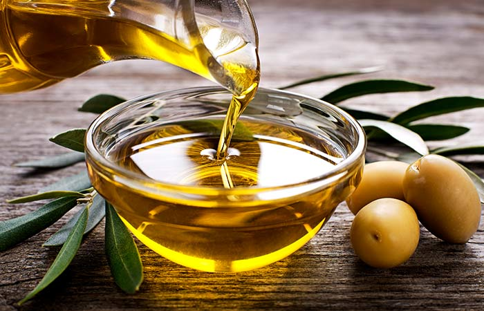 7. Olive Oil And Baking Soda For Acne