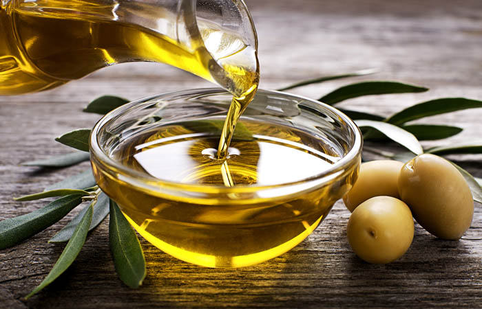 4. Bleach Hair With Honey And Olive Oil