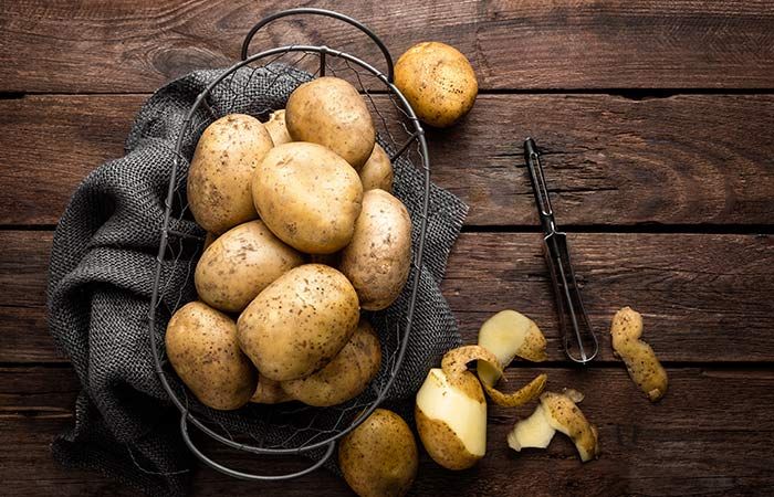 2. Castor Oil And Potato For Stretch Marks