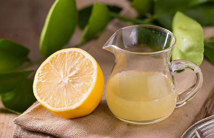 3. Lemon Juice And Banana Peel For Acne