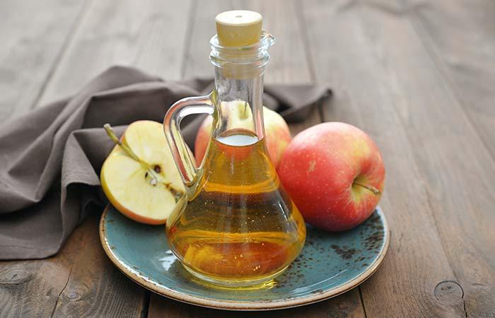 6. Apple Cider Vinegar And Banana Peel For Acne