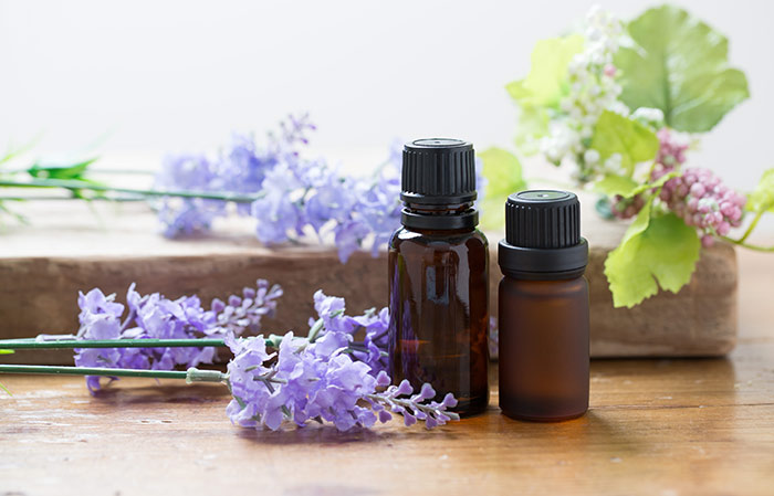 6. Lavender And Tea Tree Oil For Lice
