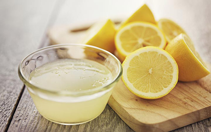 Lemon Juice And Amla Powder