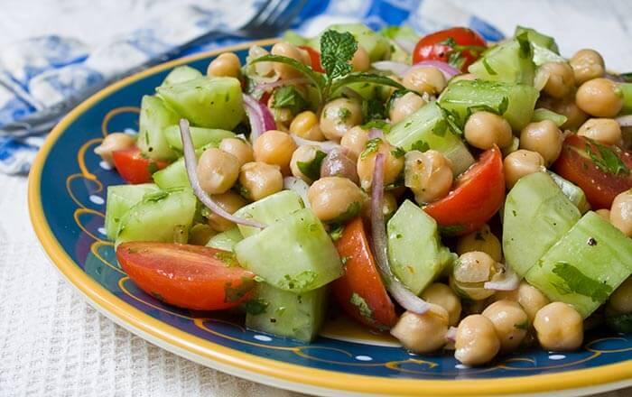 Low Calorie Dinner Recipes - Greek Garbanzo Salad