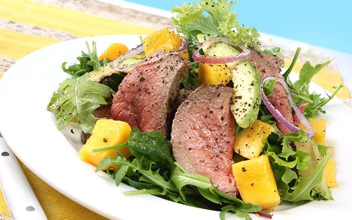Low Calorie Dinner Recipes - Stir Fry Beef With Avocado Salad