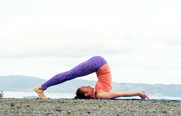 Yoga-Asanas-That-Will-Help-You-Beat-Constipation8
