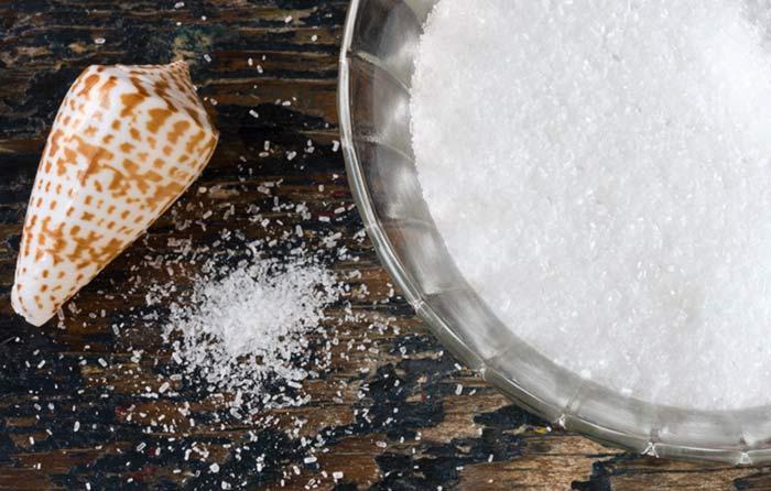 4. Epsom Salt & Baking Soda Bath For Tired Legs