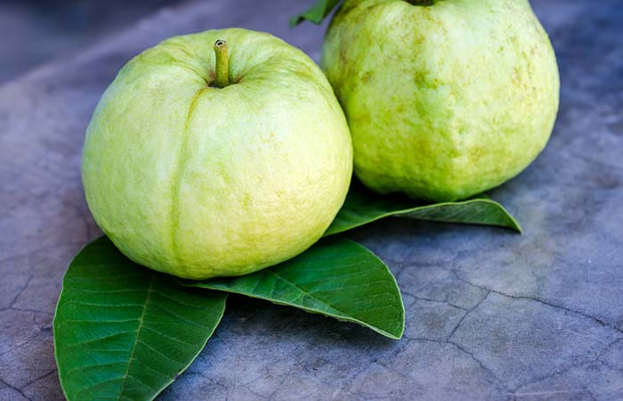 12.-Guava-Leaves-For-Teeth-Whitening
