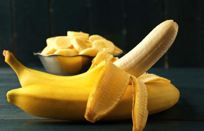 3.-Banana-Peel-To-Whiten-Teeth