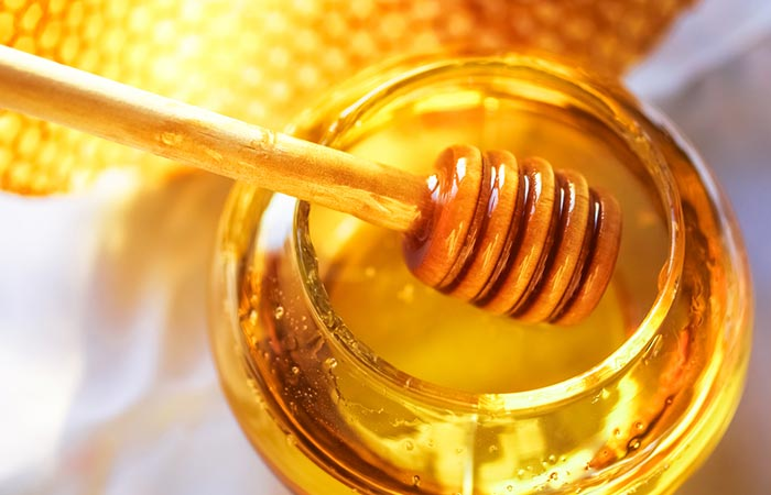 3. Honey And Olive Oil For Dry Hair