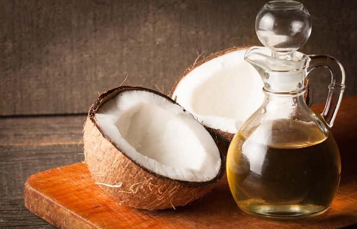 4.-Coconut-Oil-To-Whiten-Teeth
