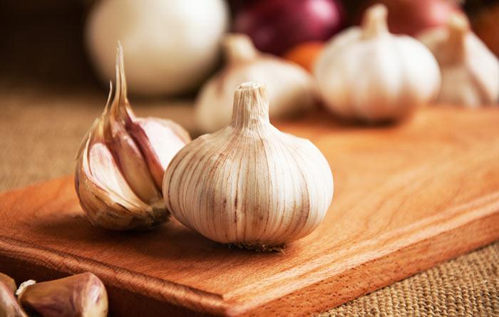 4. Garlic For Loose Teeth