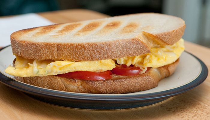 Healthy Sandwiches For Weight loss - Egg And Cheese Sandwich