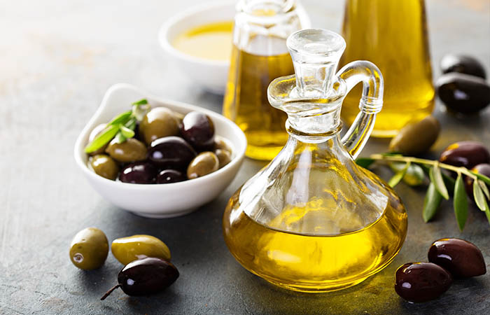7. Olive Oil And Lemon Juice For Dark Spots