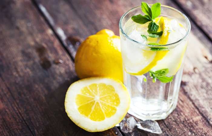 1.-Stop-Your-Period-With-Lemon