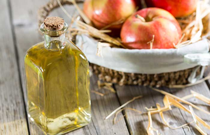 2.-Apple-Cider-Vinegar-To-Stop-Period