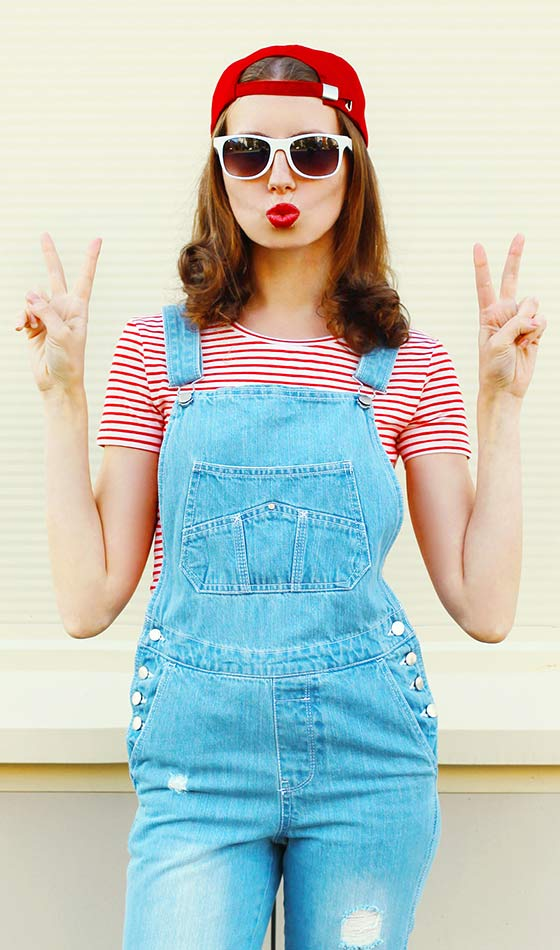 Model naked teenage girl with overalls