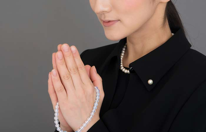 What To Wear To A Funeral - Funeral-Jewelry
