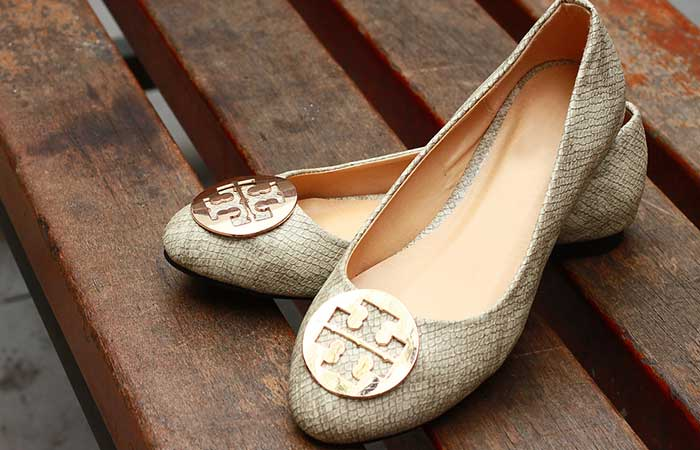 What To Wear To A Funeral - Shoes